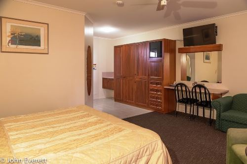 Deluxe Spa Room | Mildura Motor Inn
