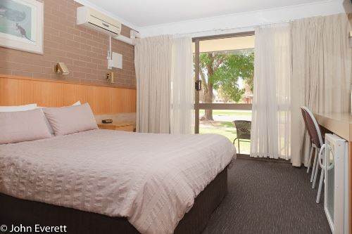 Standard Queen Room | Mildura Motor Inn